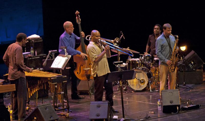 holland qint Montreux 2011